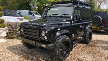 Land Rover Defender 90 tdci Black Twisted Upgrades