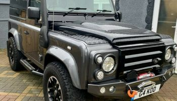 Defender 90. only 20,000 miles year 2014