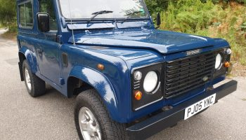 Land Rover Defender 90 Td5     2005     6 Seater    Full service history